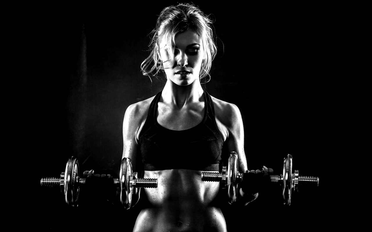 Dumbbells-Fitness-Girl-HD-Wallpaper
